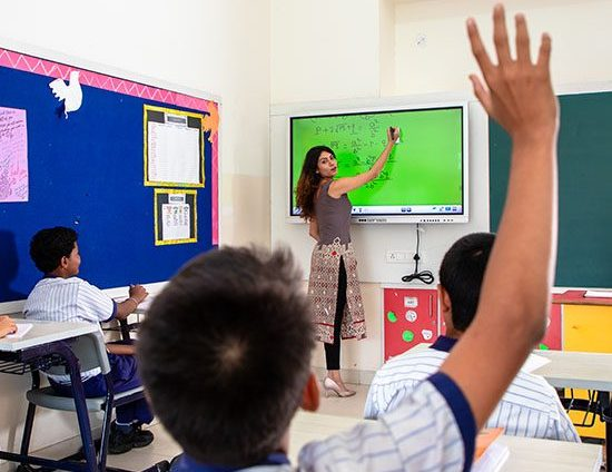 Pros and Cons of a Digital Classroom in India